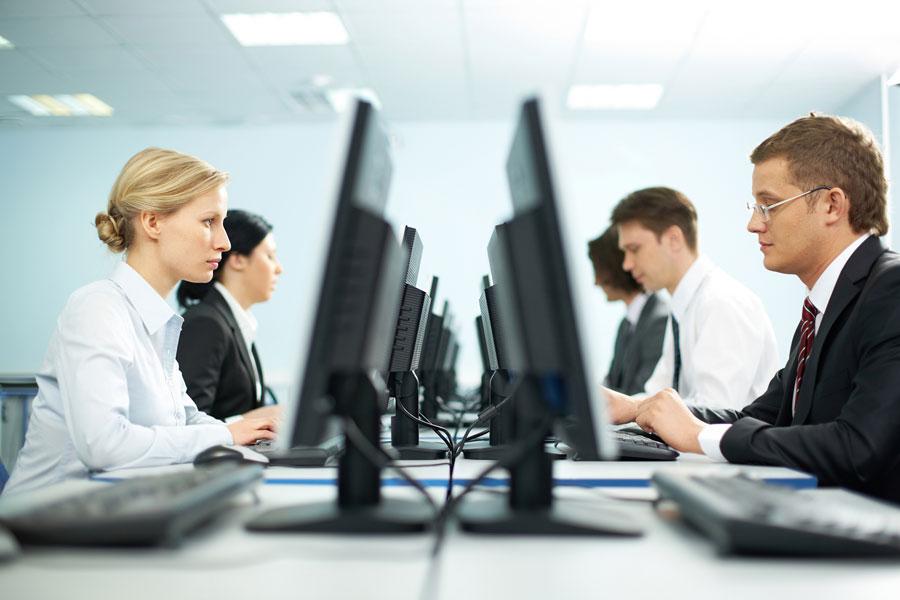 Francia incorpora como derecho el desconectarse fuera del horario de trabajo