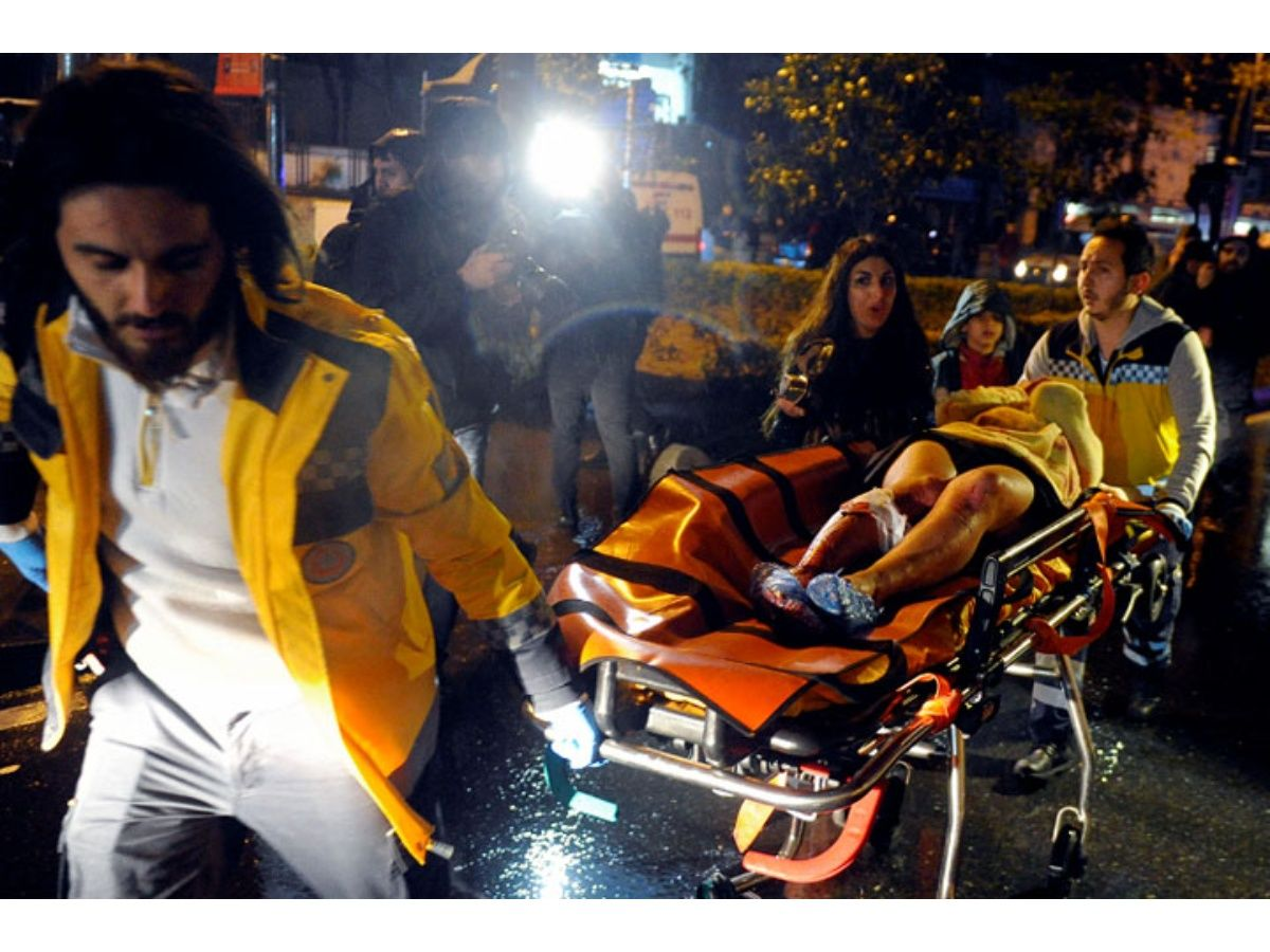 El Estado Islámico se atribuye responsabilidad de ataque en club nocturno de Estambul