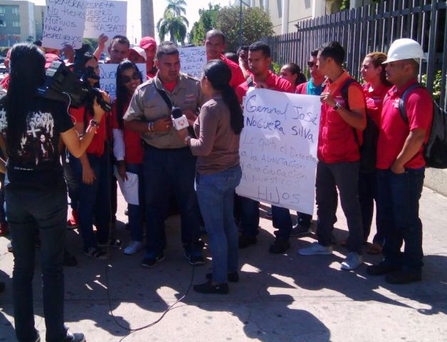 Empleados de Bolivariana de Puertos denuncian despidos injustificados