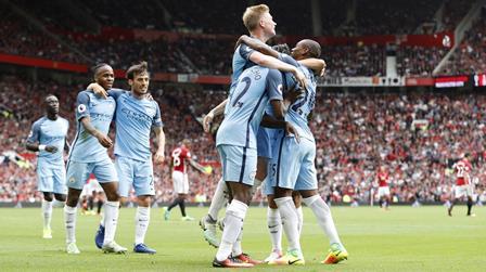 Liverpool y Mánchester City se acercaron al Chelsea