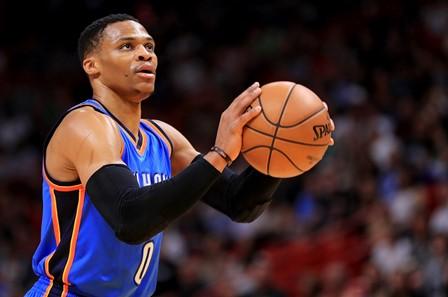 Russell Westbrook es el líder anotador y segundo en asistencias en la NBA