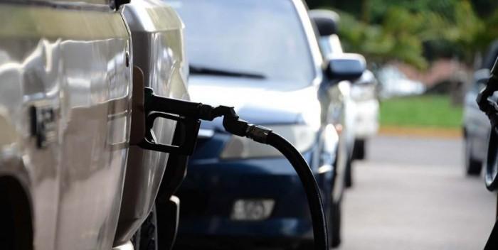 TRAS MEDIDA | Solicitan canal vehicular en la frontera para compra de gasolina en pesos