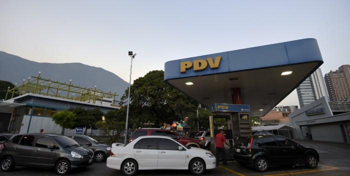 Abrirán tres estaciones de servicio internacionales en frontera con Colombia y Brasil