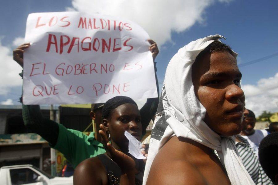 Dominicana sigue a Puerto Rico y Venezuela en camino de la insostenibilidad fiscal