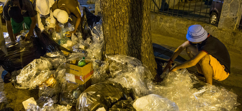 venezolanos-comiendo-basura-1