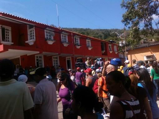 En sucre protestaron por rehabilitación del Balneario Turístico Cachamaure