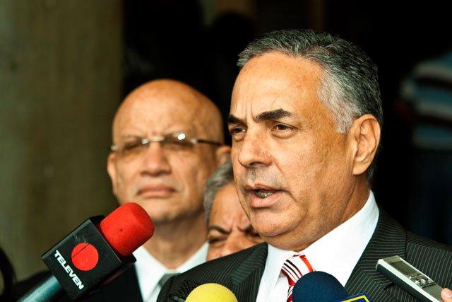 """El show de la """"guerra económica"""" del régimen llevó al país a la quiebra"""