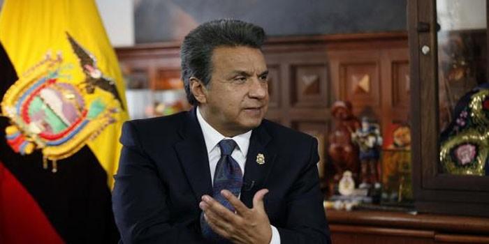 Encuesta da 6,4 puntos de ventaja a candidato oficialista en Ecuador