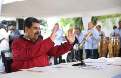 """Programa """"Los domingos con Maduro"""" cederá mañana su espacio a  """"Un solo corazón"""""""