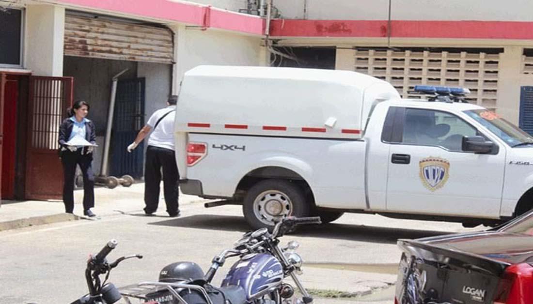 Sicarios matan a tres personas dentro de una licorería en Los Puertos de Altagracia