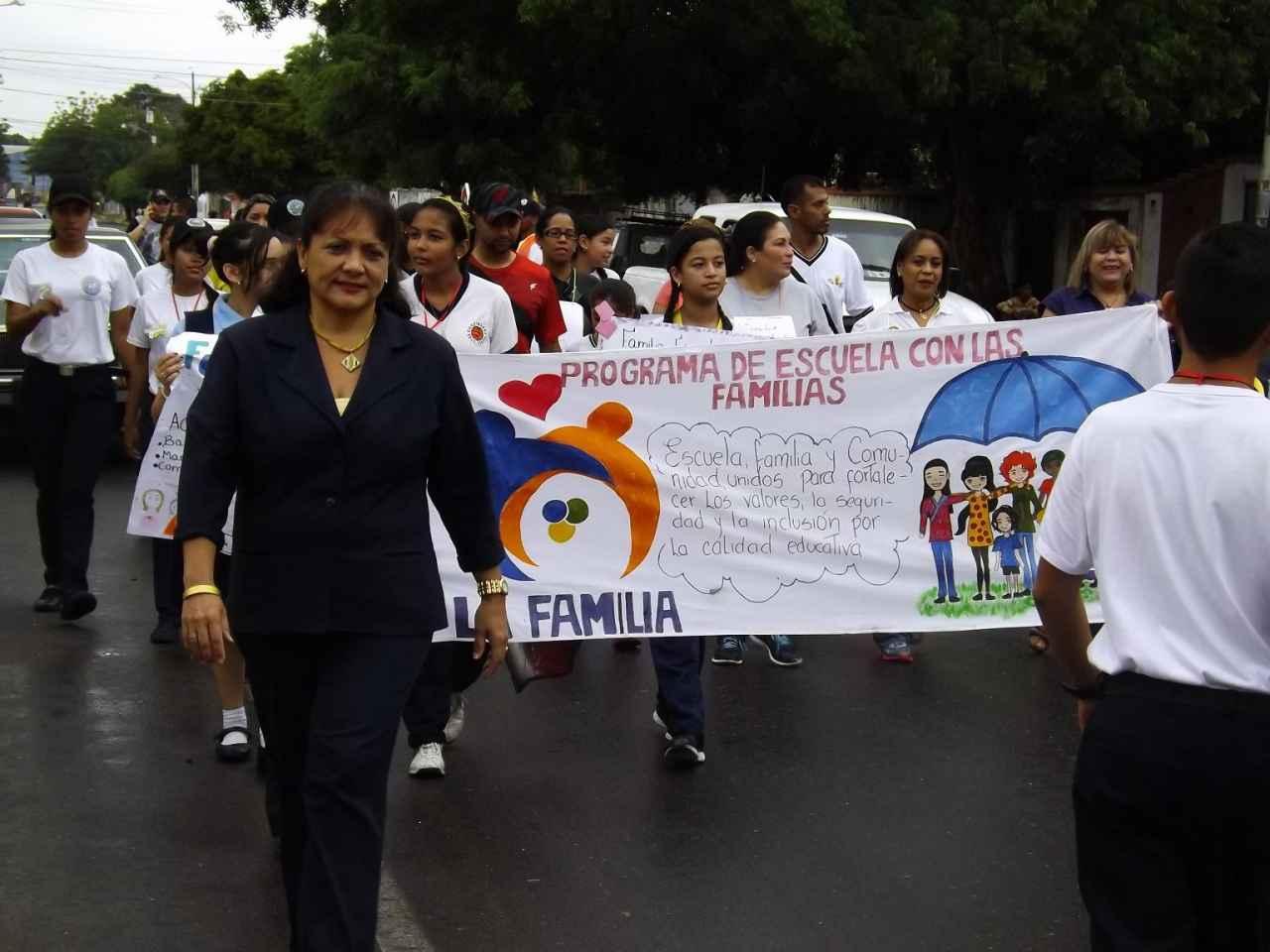Una fiesta cultural en La U.E.P. Diego Ibarra por la I Jornada de la Escuela con la Familia y la Comunidad