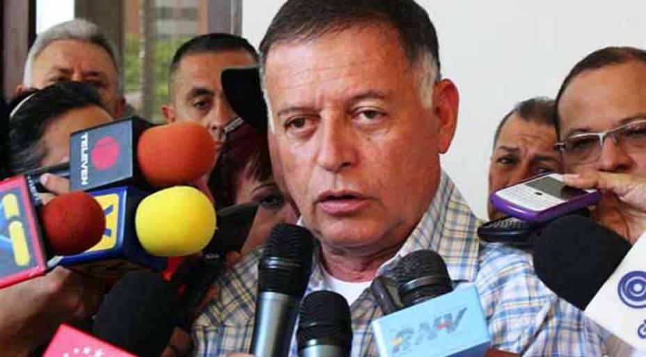 Arias Cárdenas dice que paralizar el Puente sobre el Lago no es Protesta Pacífica (Tuits)