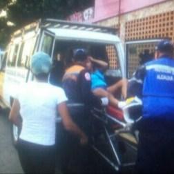 Dos personas heridas dejan doble jornada de manifestación en Vargas