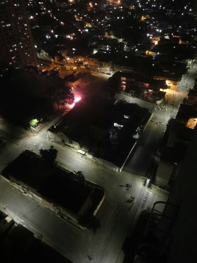Colectivos y GNB generan tensa situación en El Valle tras fuerte cacerolazo. Foto: Cortesía