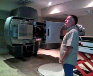 Gobernador supervisa pruebas del acelerador lineal de radioterapia del Gran Oncológico del Zulia