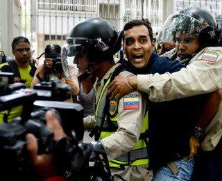 Violencia-Venezuela-Protestas-Version-Final-320×260.jpg