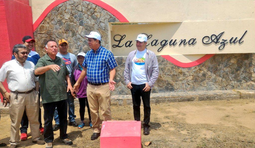 Arias Cárdenas inspecciona trabajos de rehabilitación del Parque Laguna Azul de Cabimas