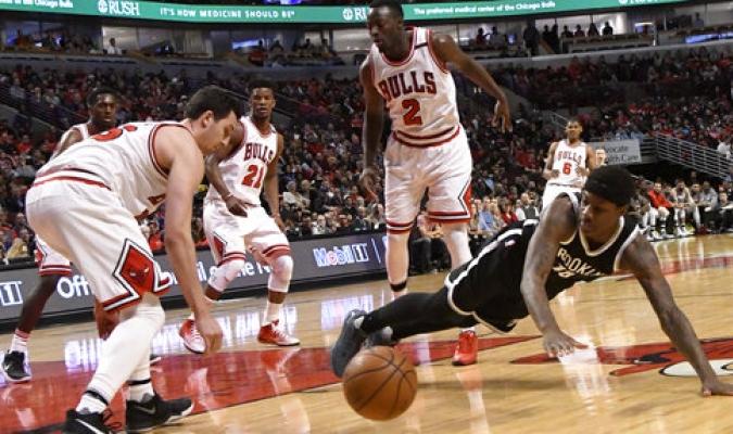 Bulls consiguieron el último boleto a los playoffs con paliza a Nets