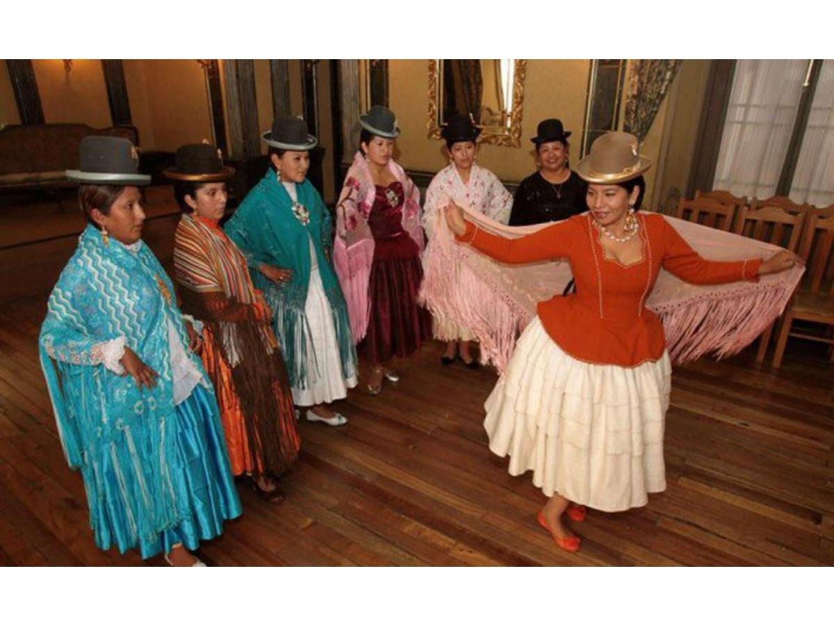 Cholitas bolivianas, símbolo de cultura y tradición