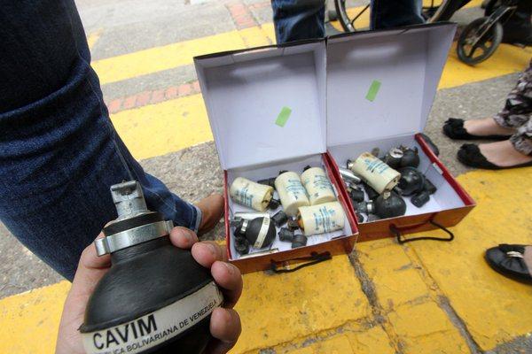 ¿Cuánto se gasta Maduro en bombas para reprimir a los venezolanos?