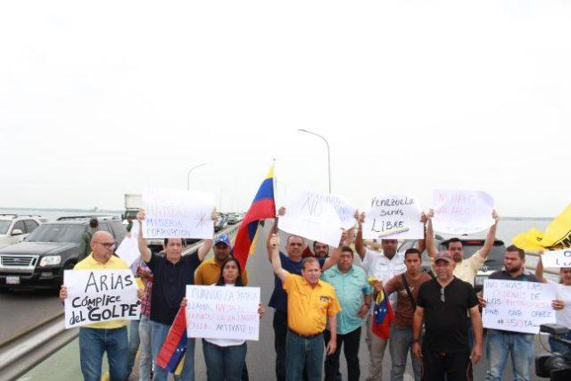 Diputados toman puente sobre el Lago de Maracaibo
