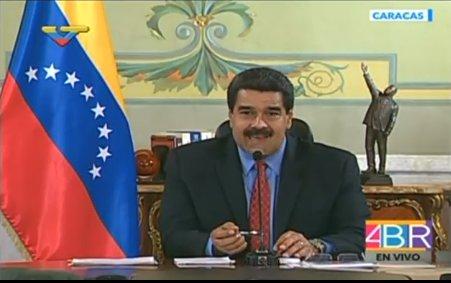 """Maduro: """"Hace un año se le clavó una puñalada a la democracia"""""""