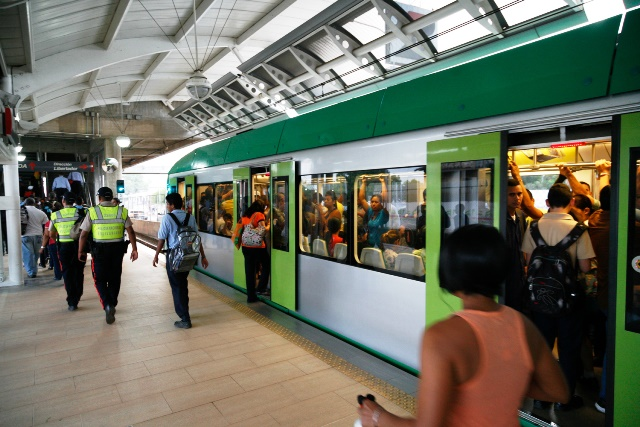 Metro de Maracaibo restringe rutas por la vaguada