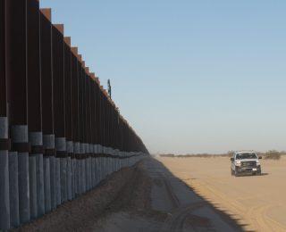 muro-mexico-version-final-320×260.jpg