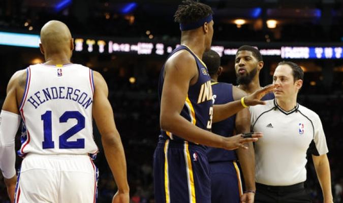 NBA multa a Henderson de 76ers y George de Pacers por pelea