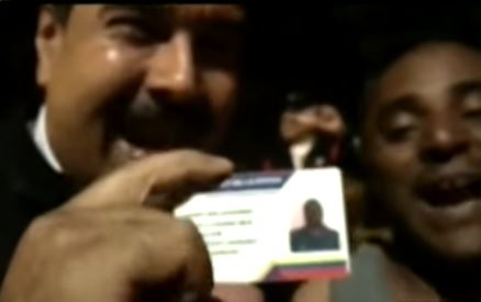 ¡Nuevo de paquete! Maduro regaló un vehículo a taxista accidentado (Video)