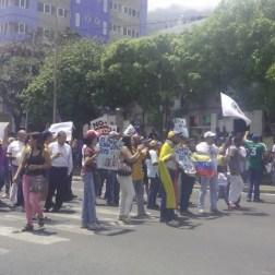 Dos personas heridas deja doble jornada de manifestación en Vargas