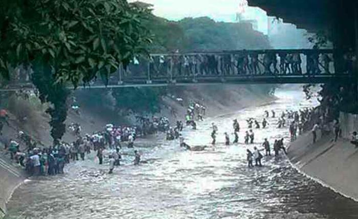 ¿Qué debe hacer si se sumergió en El Guaire huyendo de la represión?