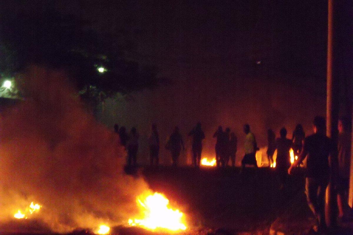 Reportan protestas culminando este #11Abr (FOTOS)