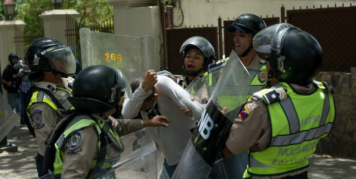Salud Chacao atendió a nueve heridos, entre ellos uno de bala tras manifestación opositora