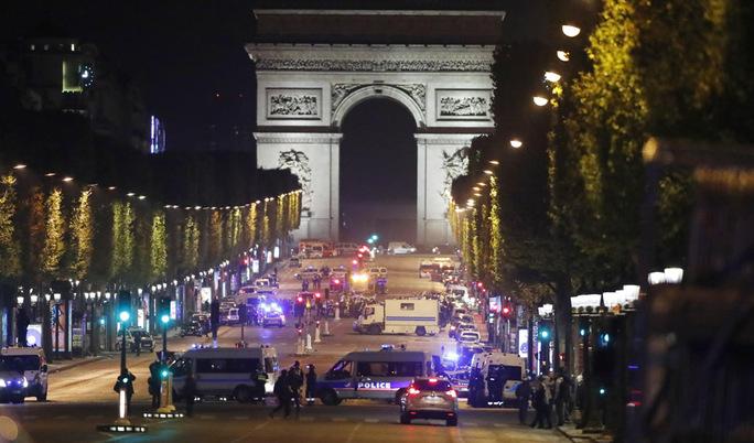 Se entrega sospechoso de estar implicado en atentado de París
