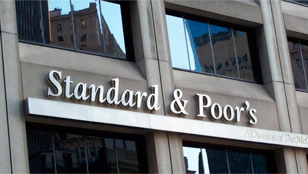 Standard & Poor's baja calificación soberana a El Salvador por impago a AFP