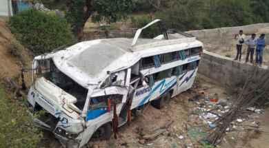 bus_india.jpg_271325807.jpg