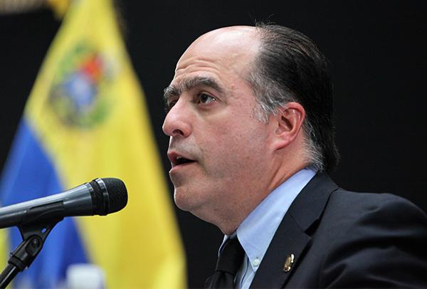 Ejecutivo acusa a Borges por quema de oficina gubernamental en Zulia