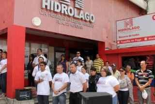 Trabajadores-de-Hidrolago-celebraron-el-13-de-Abril-de-2002-787718-1132×670-320×260.jpg