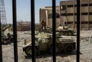 Violentos-combates-en-la-capital-de-Libia-dejan-al-menos-28-muertos-version-final-320×260.jpg