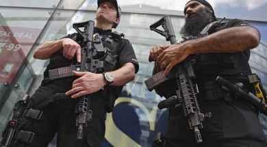 agentes-de-policia-britanica.jpg