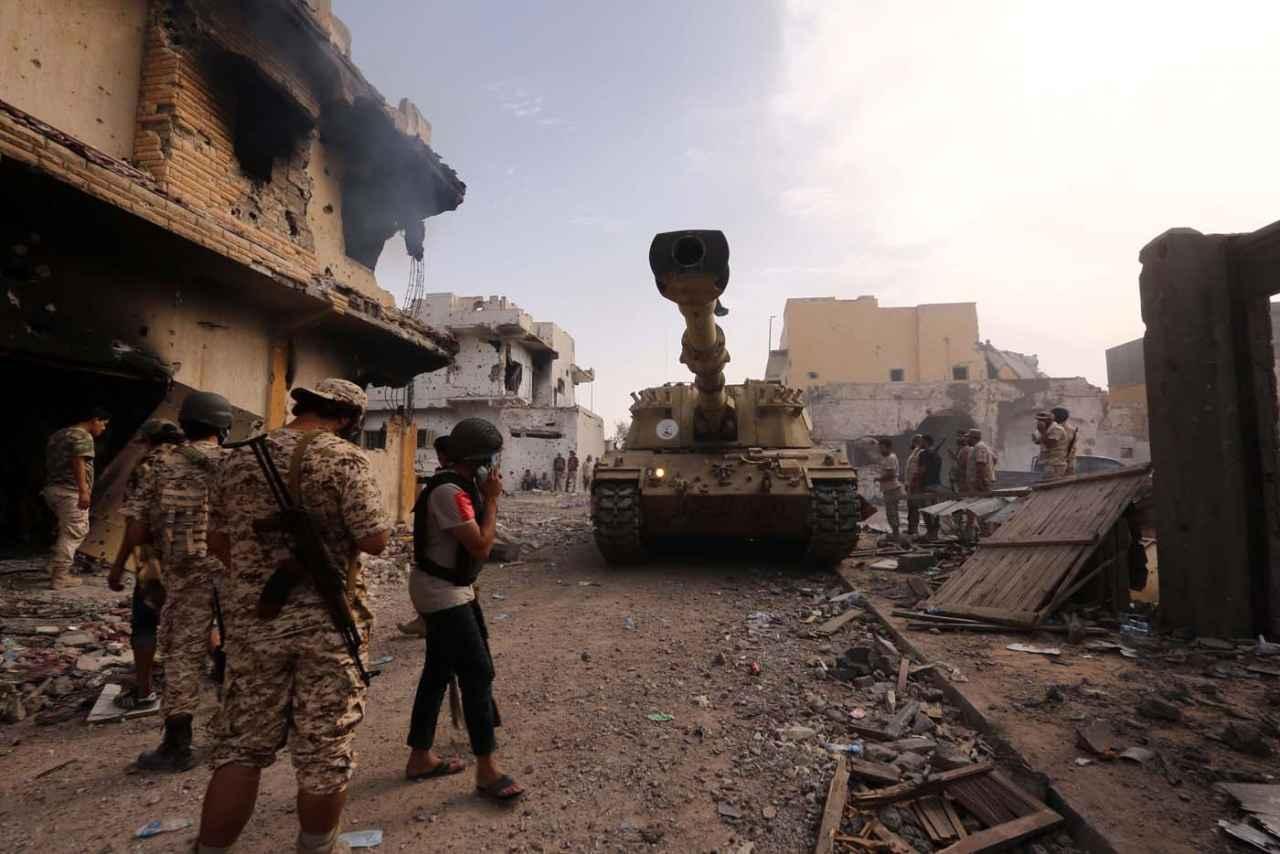 Al menos 141 muertos tras el ataque contra una base militar en el sur de Libia