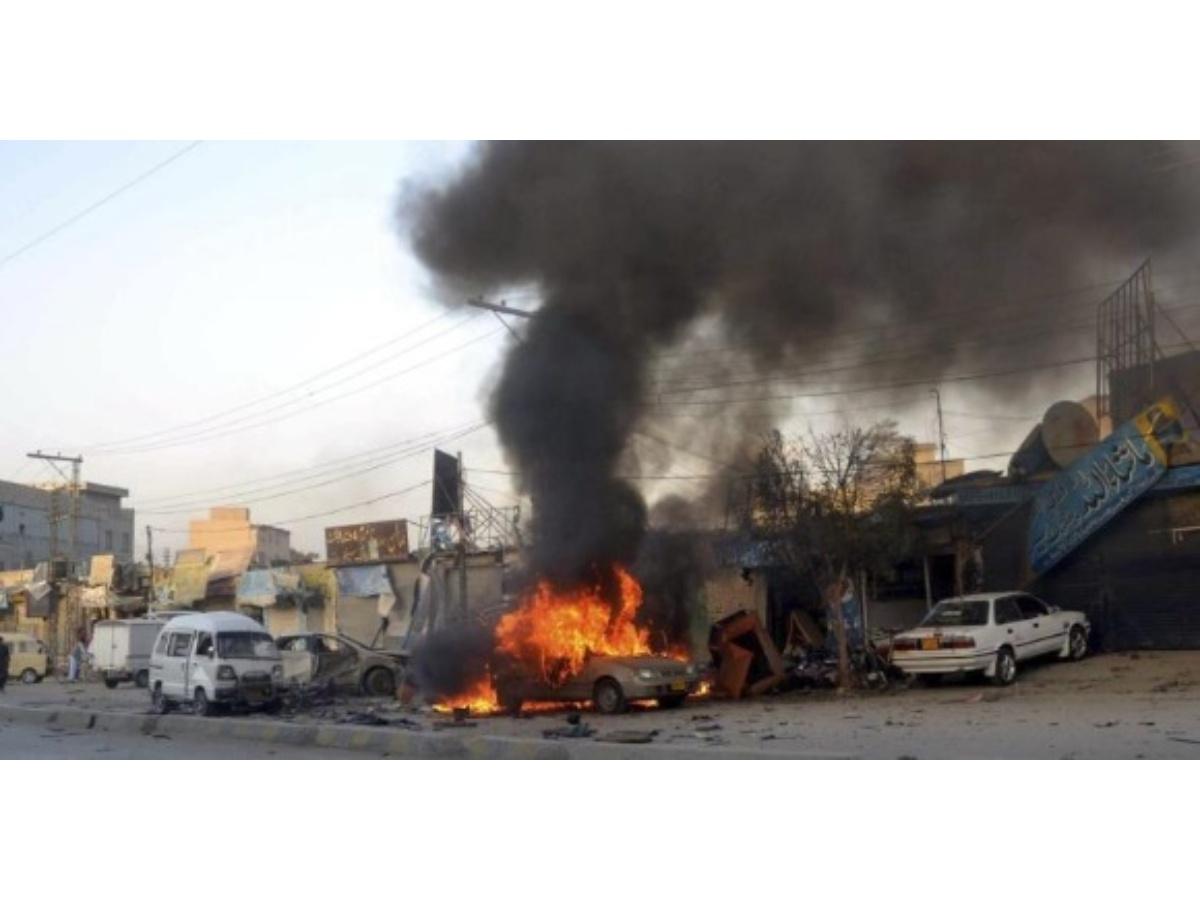 bomba mató a 11 personas que viajaban a una boda