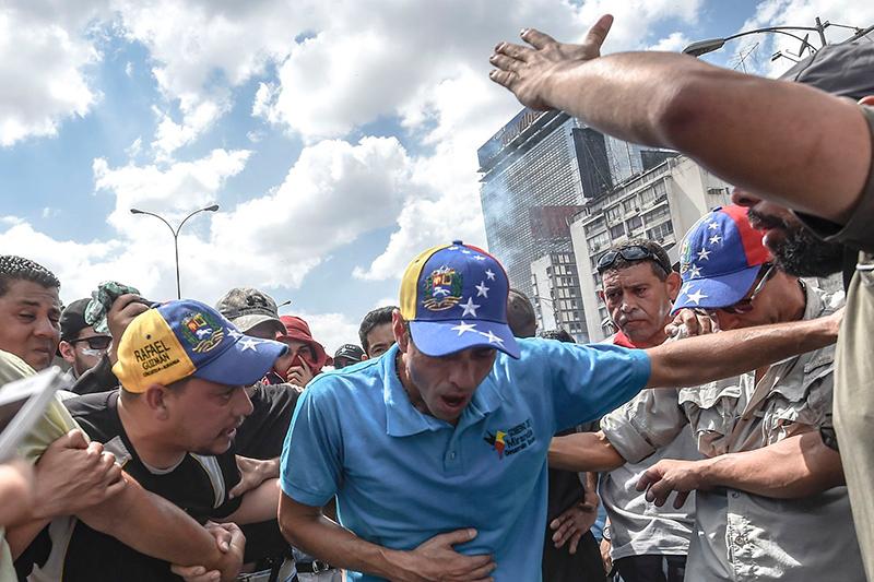 capriles-bombas-asfixia-1.jpg