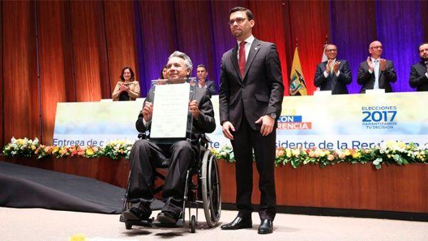 CNE de Ecuador entrega credenciales a Lenín Moreno y Jorge Glas