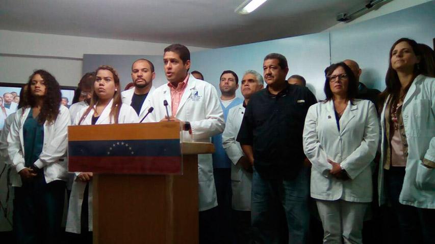 Diputado Olivares convoca a trabajadores de la salud a marchar el lunes hasta el Ministerio