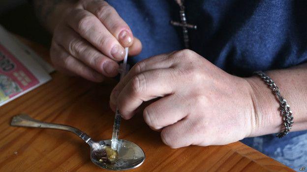Fentanilo, la droga más potente que la heroína que tiene en alerta a EE.UU.