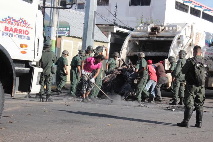 Gobernación del Zulia coordina acciones de despeje y limpieza en calles y avenidas con el apoyo de la FANB