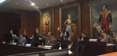 Maduro no recibirá las llaves de Quito ni lo declararán visitante ilustre