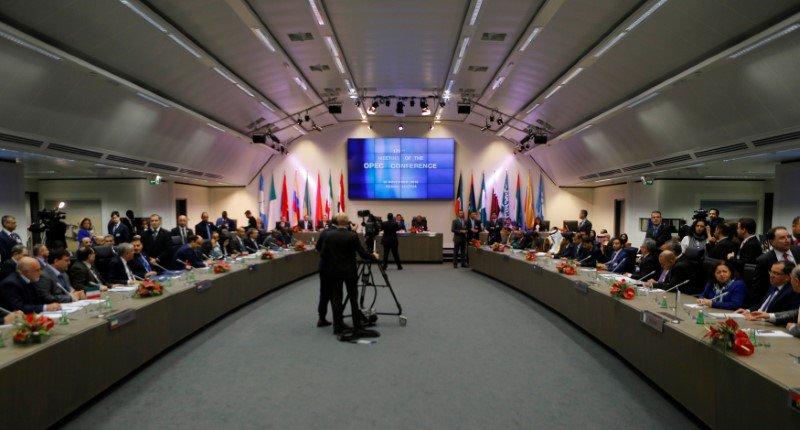 La OPEP, el precio del petróleo y dilema del Prisionero (Venezuela vuelve a perder su juego petrolero)